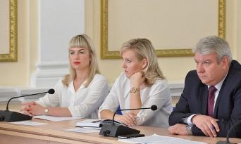 Участие председателя Контрольно-счетной палаты Брянской области В.Н. Сафроновой в заседании комиссии по координации работы по противодействию коррупции, 21.06.2018